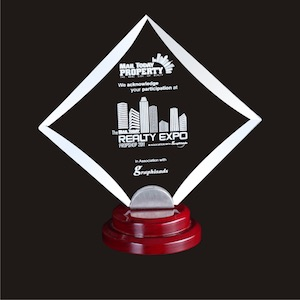 Edmediastore offers great products like acrylic-awards-Diagonal-square-edmediastore